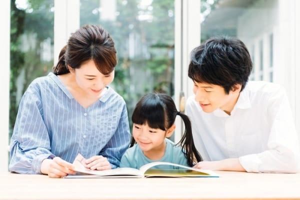"""【今日は何の日?】幼児教育には""""読み聞かせ""""が重要!オススメ絵本は?"""