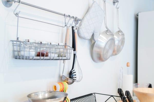 おしゃれ&シンプルなキッチン収納!一人暮らしにもおすすめのアイデア紹介