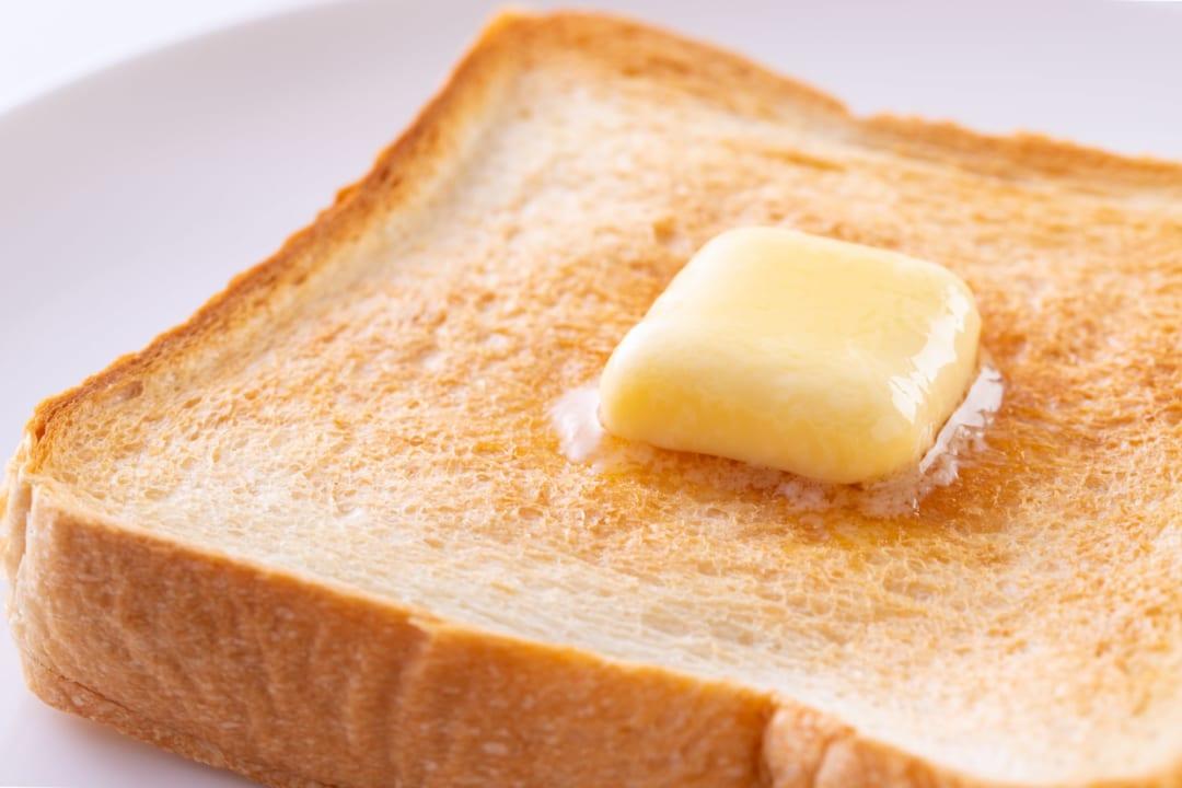 やらなきゃ損?!いつもの食パンを「高級店級のもちふわ食感」にする方法とは