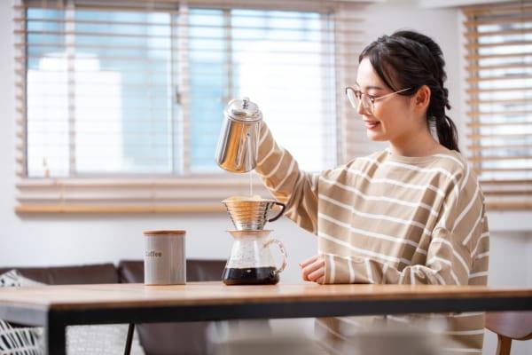 【保存版】コーヒーの最もおいしい入れ方は?器具の代用アイデアも!