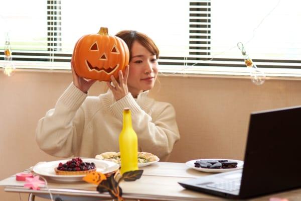 今年のハロウィンはおうちで!オンラインパーティで盛り上がるプチプラアイテム
