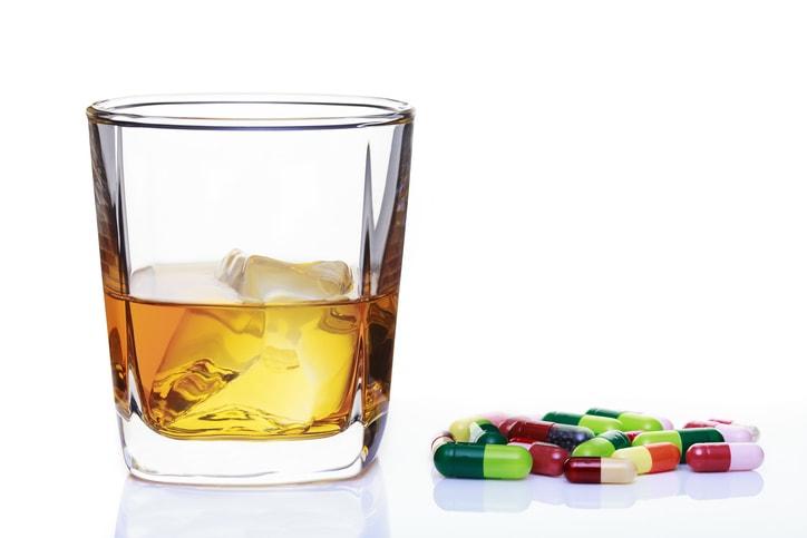 お酒や薬などによる筋肉の緩み