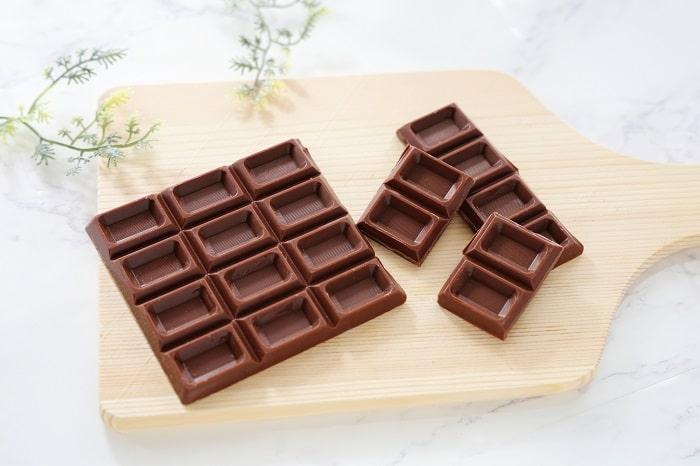 湯煎なしでOK?!「板チョコを超簡単に溶かせる裏ワザ」が便利すぎ!