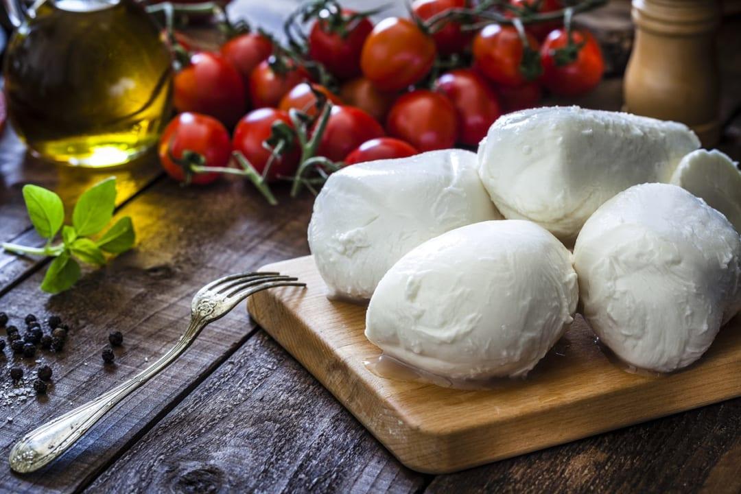 【保存版】モッツアレラチーズを使った料理レシピ|簡単おいしいおつまみも!