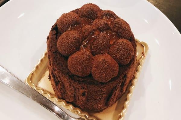 とろける…スタバ新作ケーキは、あのコストコの人気スイーツ風?