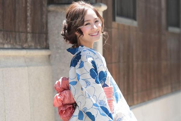 【体型・トレンド・着こなしまで!】似合う浴衣の選び方徹底解説2019