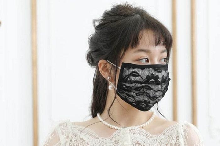 不織布マスクがおしゃれに変身?!被せるだけの「マスクカバー」が超便利!