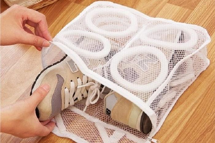 """洗濯機で""""靴""""が洗える!「もっと早く欲しかった!」の声続出の神グッズとは"""